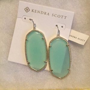 Kendra Scott Danielle style earrings